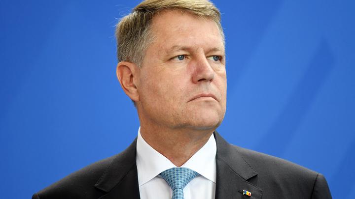 Президент Румынии попал под «административку» из-за оскорбления