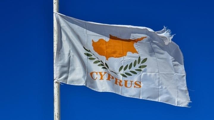 У кого из русских золотые паспорта? Politis рассекретила кипрский список
