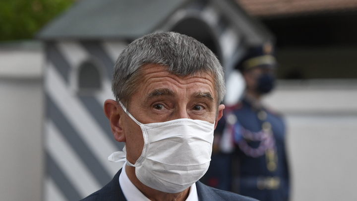 Атаку Чехии на Россию пахан диктует на уровне НАТО - Баранец