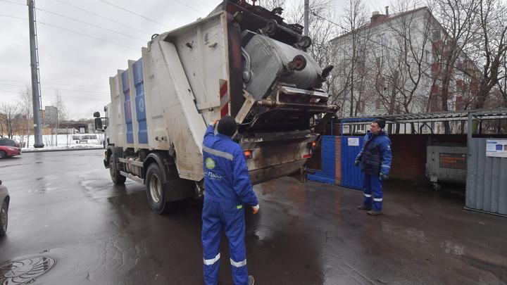 Водитель мусоровоза из Санкт-Петербурга во время работы «закладывал» наркотики