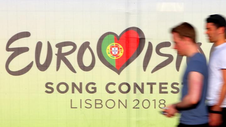 Новая традиция «Евровидения»: Хулиган сорвал выступление певицы SuRie