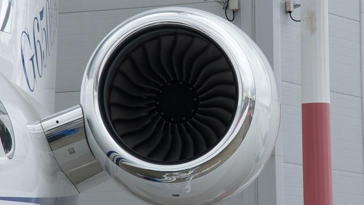 Кресла со смертельным риском: В день трагедии МН17 голландская компания удивила твитом о безопасных местах в самолете