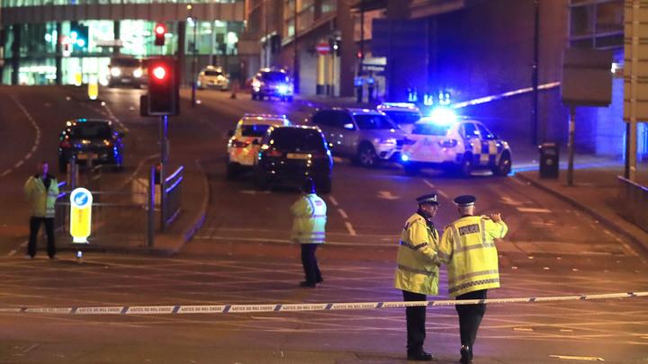 Теракт на Манчестер Арене: Фоторепортаж профессиональных фотографов
