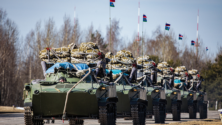 Советник Байдена назвал конструктивным отвод войск России от Украины