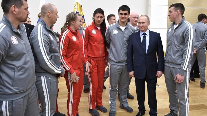 Гордость, сила и характер: Путин вручил госнаграды российским олимпийцам