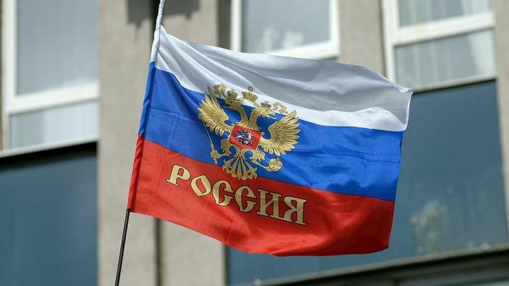 Белорусский активист добился запрета на флаги России и георгиевские ленточки в автобусах