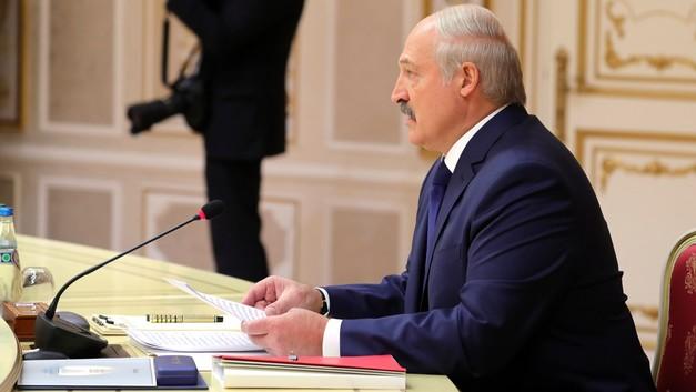 Лукашенко позволит белорусам узнать всю подноготную КГБ