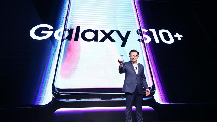Может открыть любой: Samsung официально признала провал системы безопасности смартфона Galaxy S10