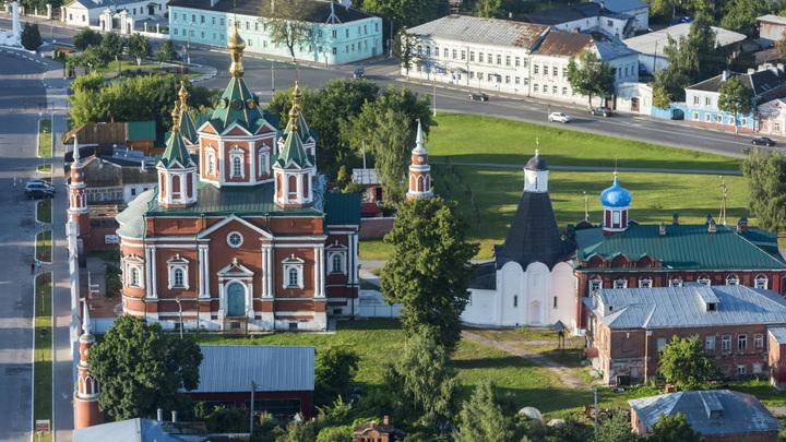 Путин взял на контроль реализацию проектов по благоустройству малых городов