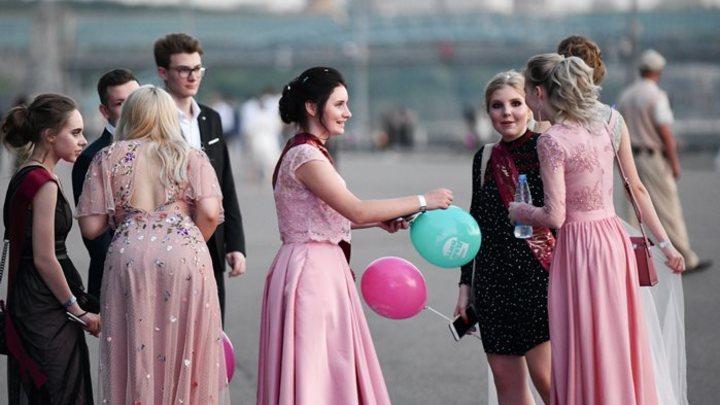 Власти Кузбасса утвердили правила проведения выпускных балов в школах