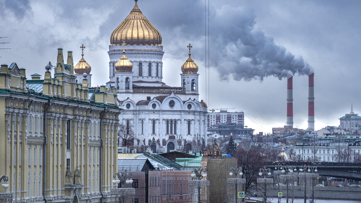 Русская Церковь в борьбе с коронавирусом: На помощь врачам придут священники