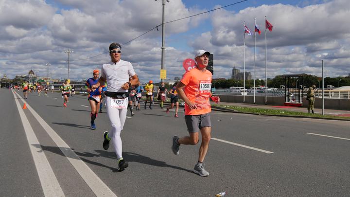 Боль временна, победа вечна. В Петербурге прошли международные соревнования по триатлону Ironman