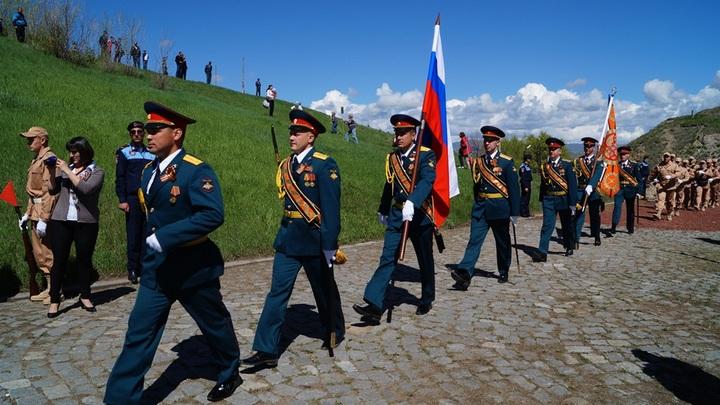Армейской кашей сегодня угостят военные России желающих в Армении