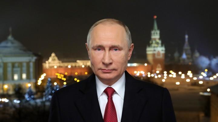 Наше единство - это основа достижений: Путин поздравил Россию с Новым годом