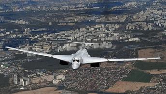 Два Ту-160 России облетели северные моря в компании ВВС Британии и Бельгии