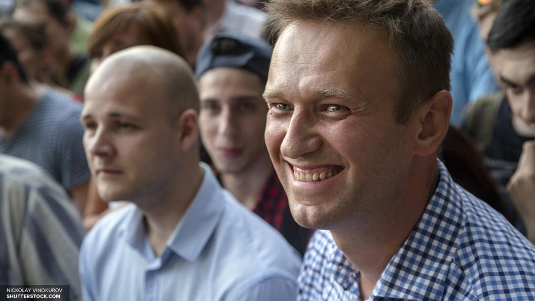 Навальный обвиняется в незаконном получении денег от Ходорковского