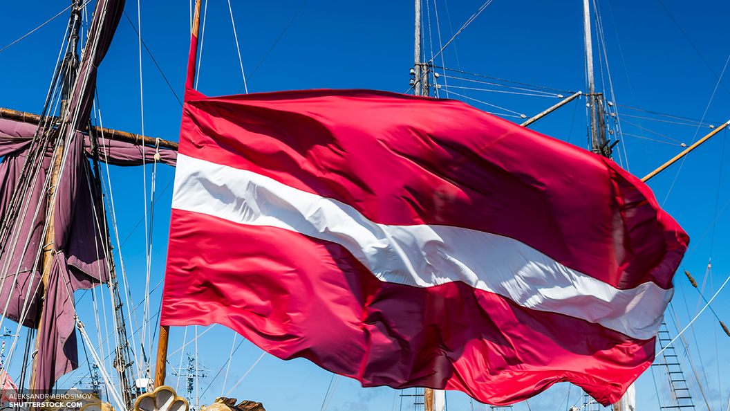 В торговом центре в Латвии женщине запретили объявить в розыск детей на русском языке