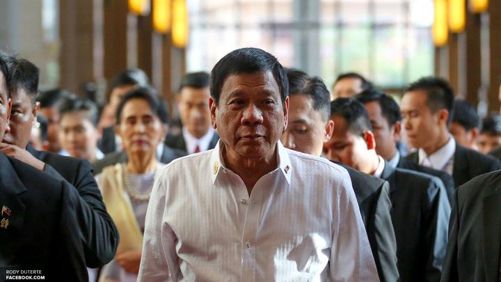 Дутерте: На Филиппинах введут военное положение