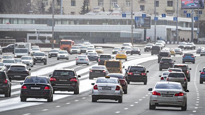 В России могут начать штрафовать за превышение на 10 км в час