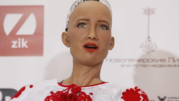 Обещавший уничтожить человечество робот София ответит на вопросы жителей России