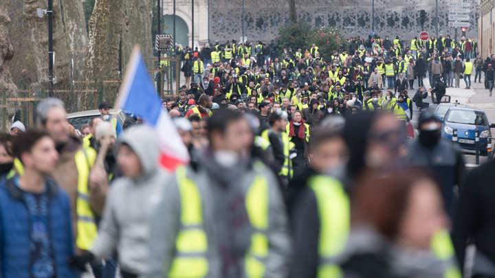 Затишью конец: Во Франции с новой силой вспыхнули протесты жёлтых жилетов