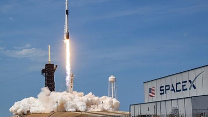 Удачной стыковкой Crew Dragon с МКС Илон Маск обязан русским. Эксперт раскрыл детали