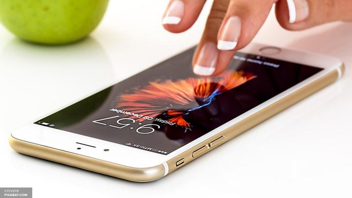 Видео: iPhone 6 Plus с разбитым стеклом взорвался в руках владельца