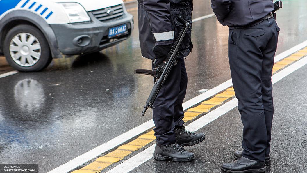 Неизвестный сножом взял заложников вцентре занятости вНьюкасле
