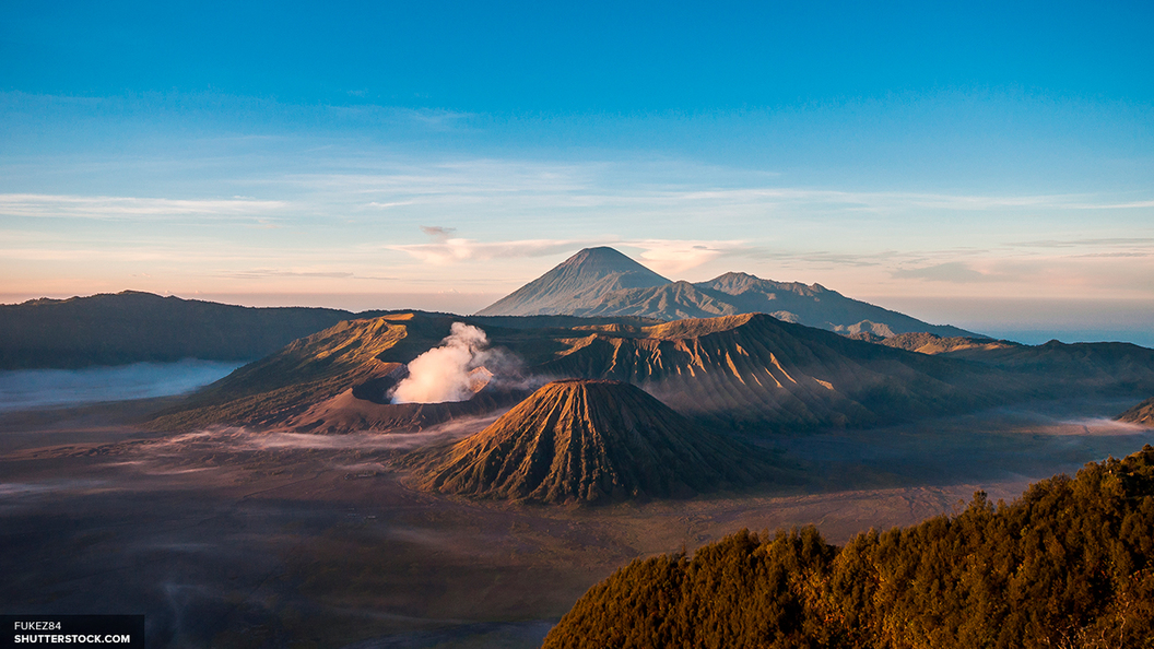 Небо над Камчаткой в опасности: два вулкана проявили активность