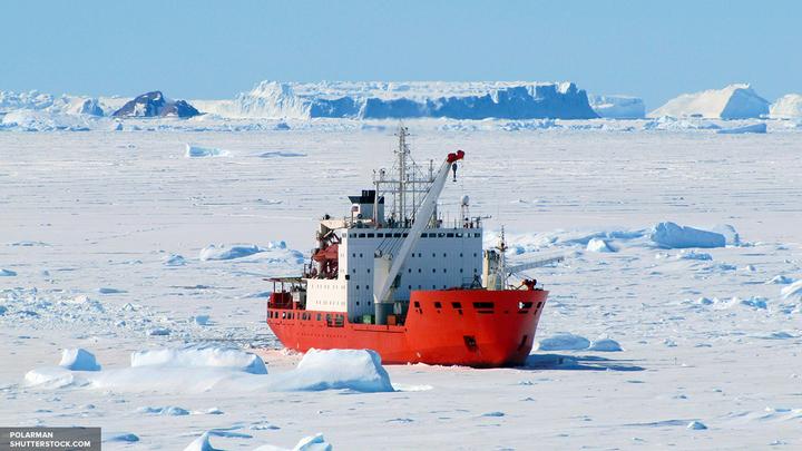Ученые: Из-за Эль-Ниньо в Антарктиде появляются огромные озера