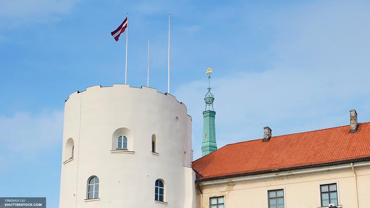 Директора школы в Латвии оштрафовали за речь на русском языке