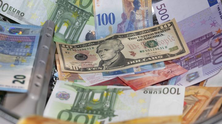Сбежать с деньгами за границу станет сложнее? ЦБ могут позволить запрещать выезд банкирам