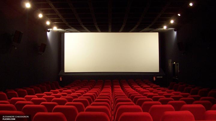 Назад в 2003: Моника Белуччи вновь станет ведущей Каннского кинофестиваля
