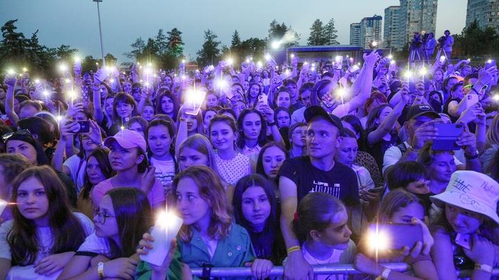 Ограничения по количеству зрителей на массовых мероприятиях отменят в Подмосковье с 19 июля