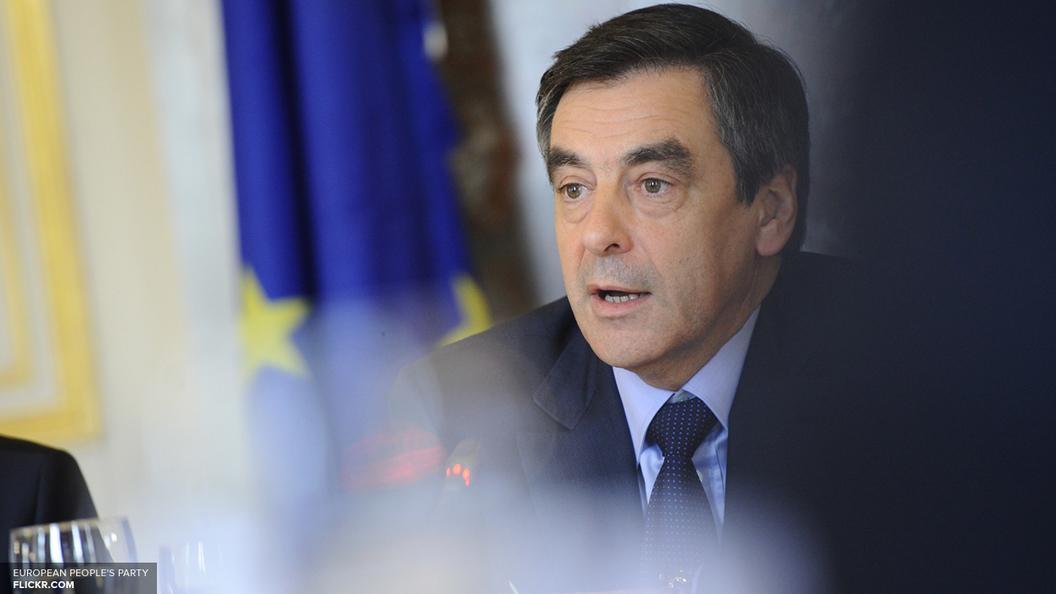Фийон: Из-за долгов Франция вынуждена преклонять колени перед врагами