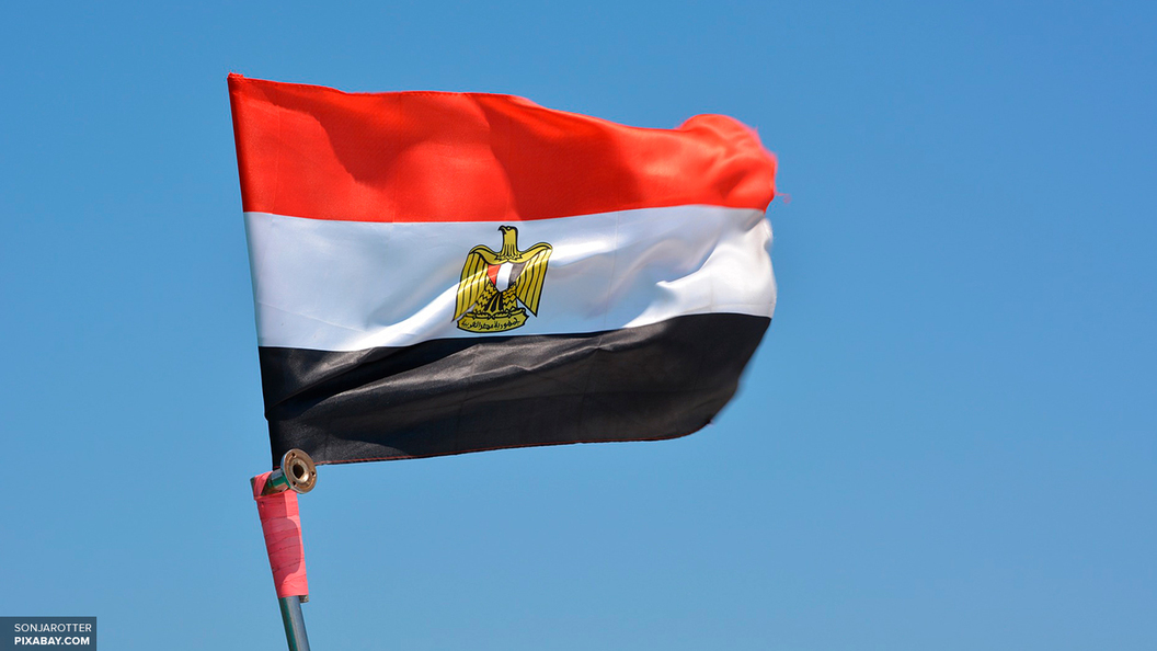 На площади перед коптским храмом в Египте произошел взрыв
