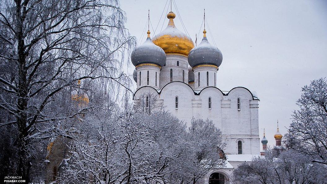 В Русской Церкви опровергли благословение на православные смартфоны