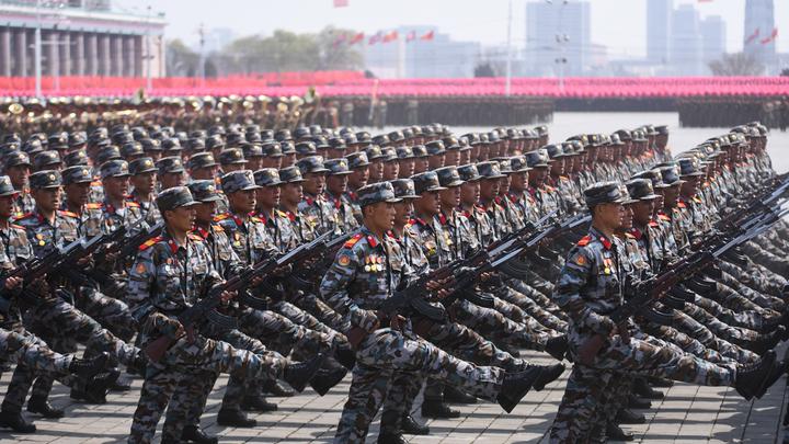 На параде в Пхеньяне не показали баллистические ракеты