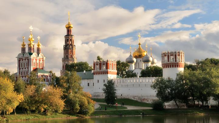 Гробокопательство или сбережение?: Правда о ситуации с некрополем Новодевичьего монастыря