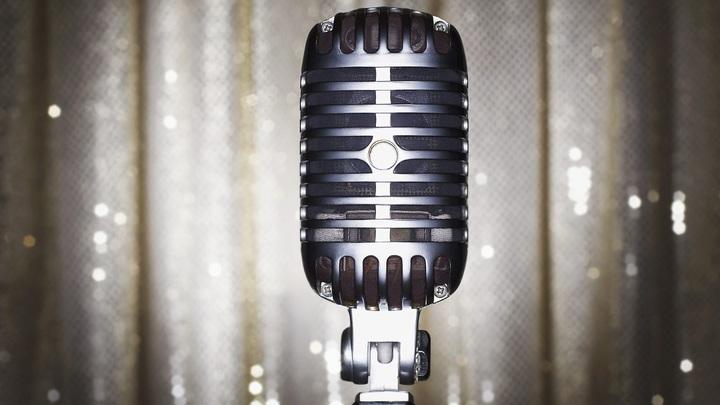 Золотой граммофон оказался чугунной кочергой: Песни под фанеру и поведение звёзд испортили концерт