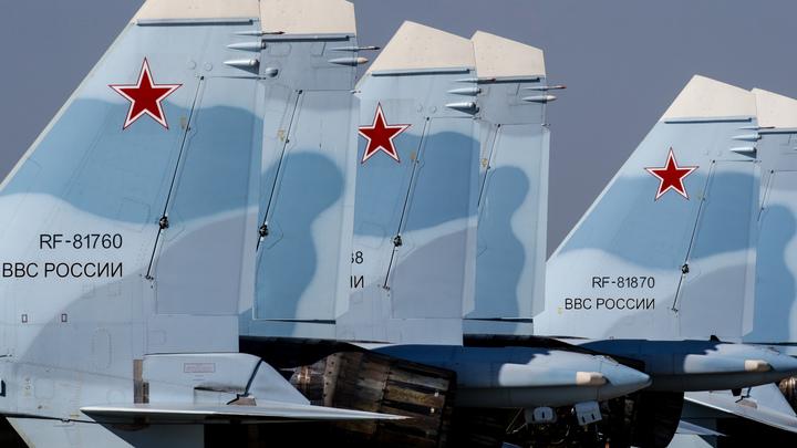 «Не забывайте их. Будем жить»: Погибших в Сирии российских летчиков вспоминают год спустя