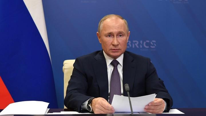 Кашляющий Путин внезапно растревожил Собчак