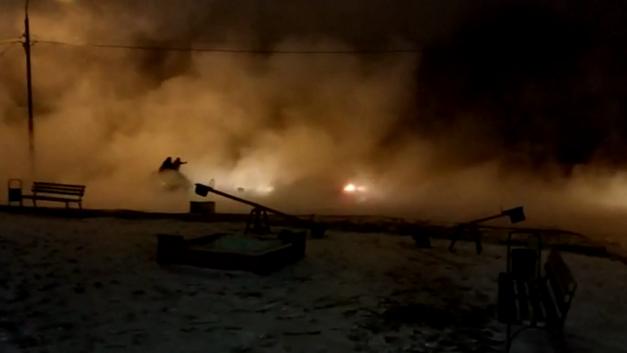 Кипяток на дорогах, почти 2 млн жителей замерзают: На востоке Москвы ликвидируют последствия аварии