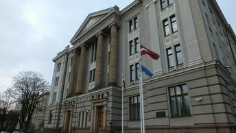 Был бы повод, виновный - известен: Русские дипломаты оценили банковский скандал в Латвии