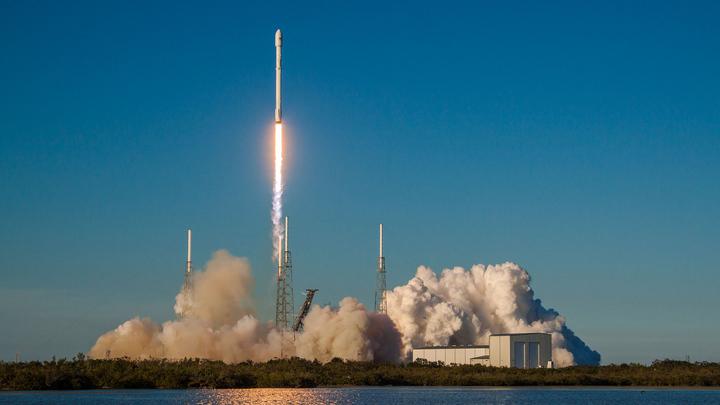 SpaceX опробовала приземление нового разгонного блока в океане