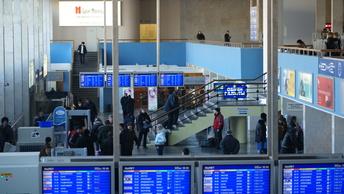 Около 500 туристов из России застряли в Мексике из-за долгов авиакомпании