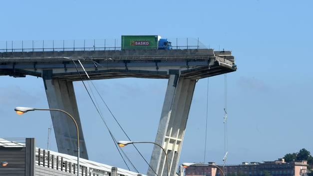 В Генуе назначена дата первых похорон погибших из-за обвала моста