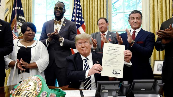 Дональд Трамп простил чёрного чемпиона