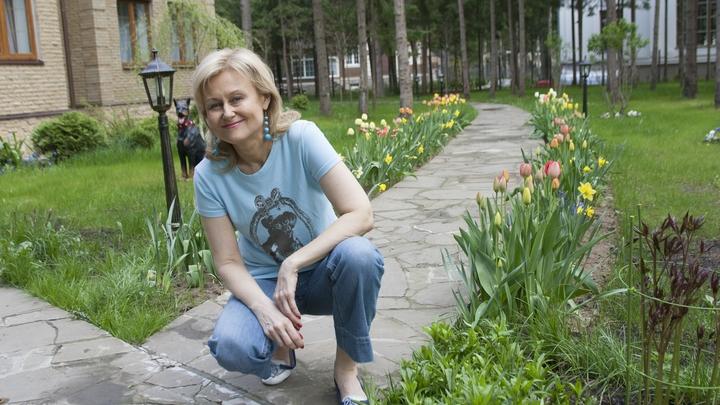 Русские никогда не стояли на коленях: Больная COVID Донцова ответила тем, кто уже похоронил её