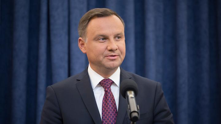 Польский президент дал заднюю и заблокировал законы о судебной системе